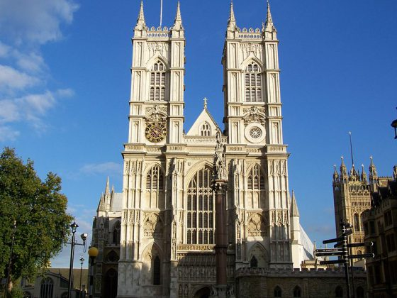 Westminster Abbey   Image Courtesy: By lacihobo (Own work) [GFDL or CC BY-SA 4.0-3.0-2.5-2.0-1.0], via Wikimedia Commons