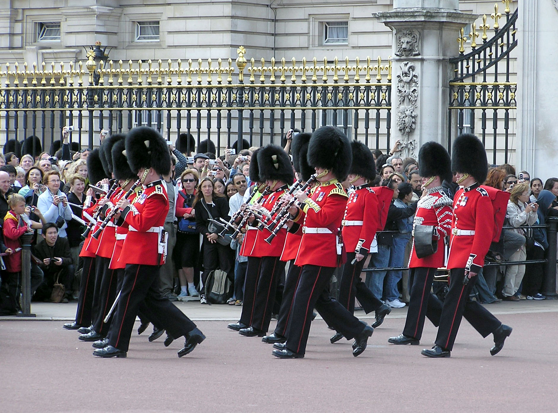 Changing the Guard via Wikipedia Commons