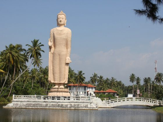 photo of palace, monument, vacation, statue,
