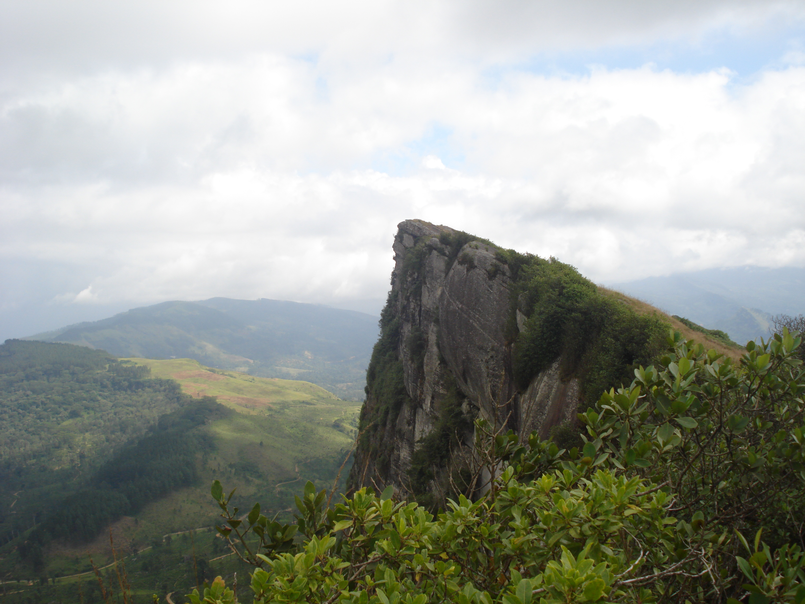 """Hamnthana Mountain Range 