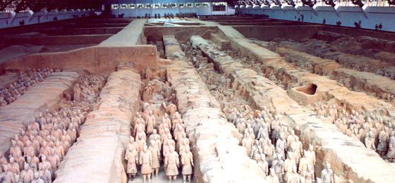 The terracotta army   Image Credit - anonymous, Guerriers Xian, CC BY-SA 3.0 Via Wikimedia Commons
