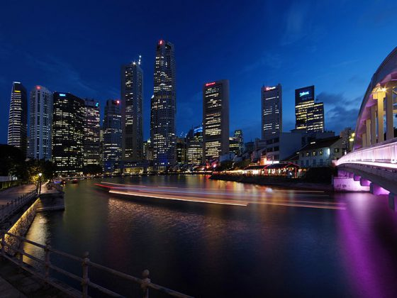 Nightlife of Singapore and Singapore River | Image Credit - William Cho, CC BY-SA 2.0 Via Wikimedia Commons